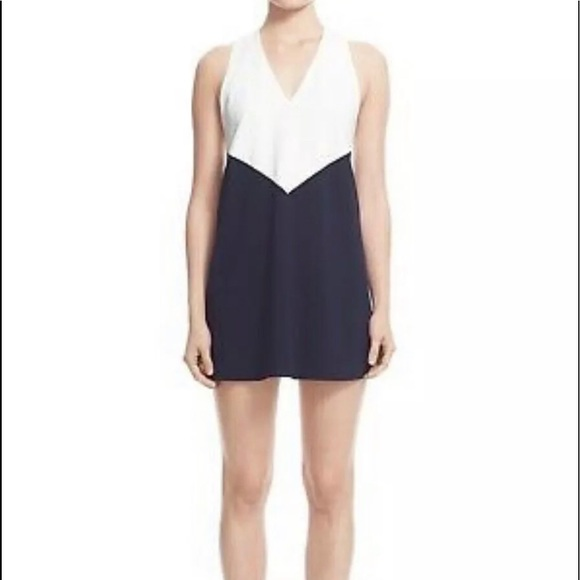 Alice + Olivia Dresses & Skirts - NWT $265 Alice + Olivia Maya Dress Navy White Sz L